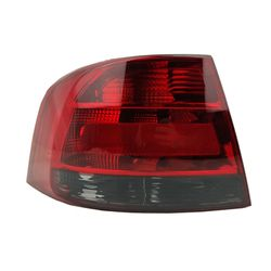 Lanterna-Traseira-Voyage-G5-Fume-Lado-Esquerdo